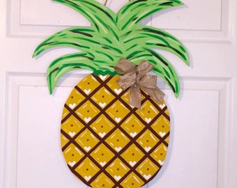 Door Hanger - Wood Cut Out - Pineapple. This adorable Pineapple can be changed to better meet your style!