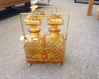SALE! ! ! Double decanter liquor set in case
