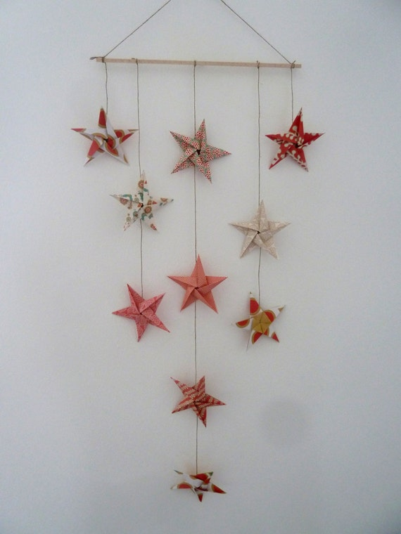 Articles similaires mobile 10 toiles en origami pour for Decoration murale origami
