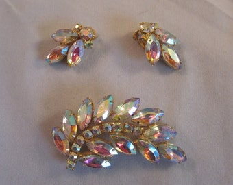 Vintage Aurora Borealis Rhinestone Brooch & Matching Earrings