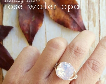 Bella's Ring in rose water opal - Swarovski Crystal - Adjustable Size