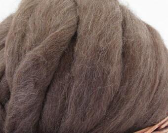 Shetland Moorit Wool Top Roving - Undyed Natural Spinning Fiber / 4oz