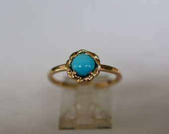 14kt Yellow Gold Ring with 5.5mm Sleeping Beauty Turquoise Cabochon