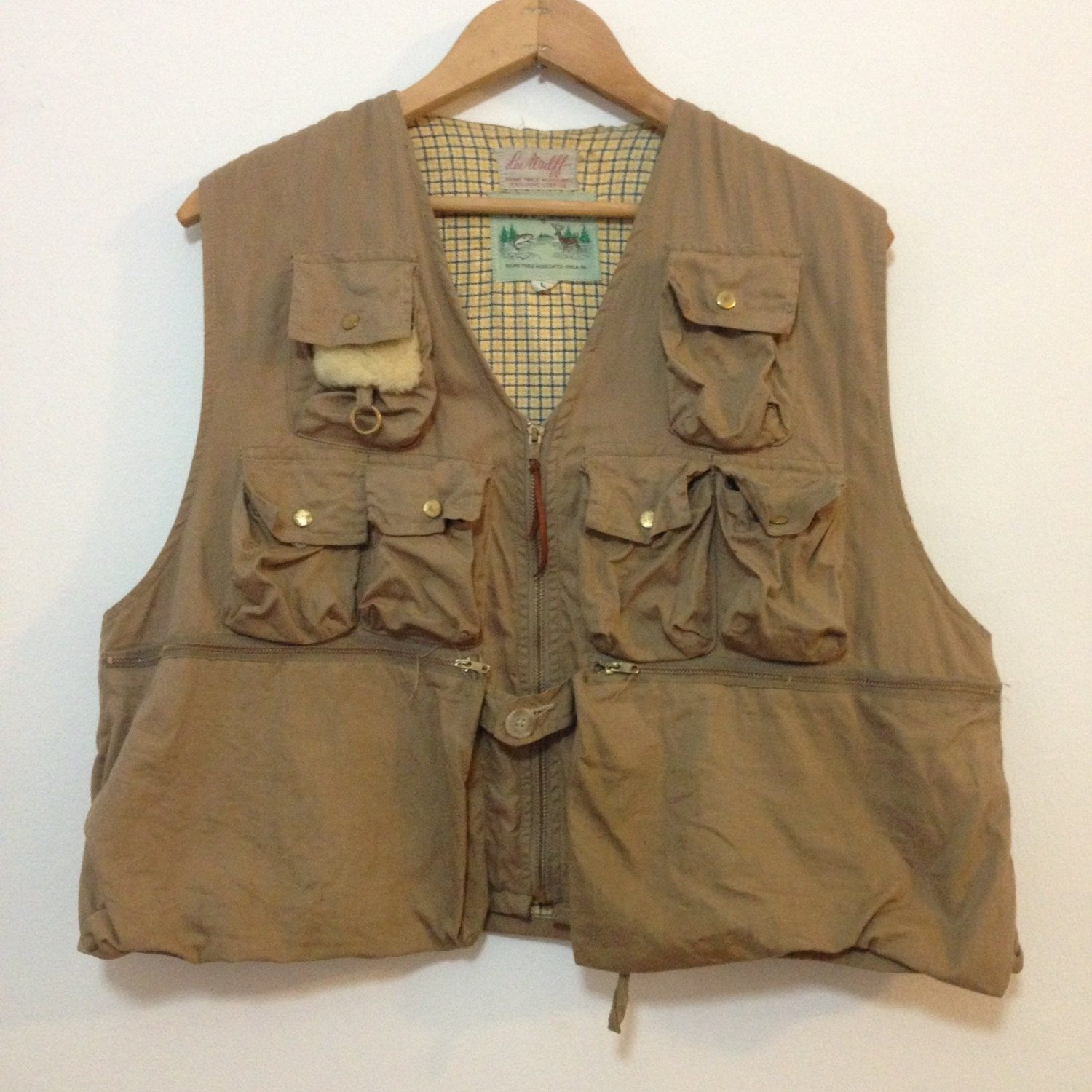 Vintage lee wulff fly fishing vest tuff gear tan twill pockets for Fly fishing vest