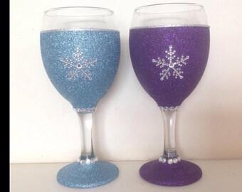 Frozen snowflake glitter glasses