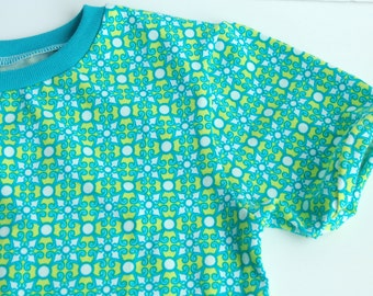 Girls handmade play shirt - Greenish blue geometric print - 4T cotton/lycra