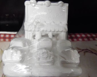California Creations #97005 Al's Used Cars plaster house ready to paint