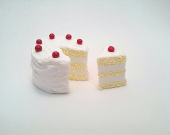 3 Layer Vanilla Miniature Cake