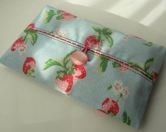 Pocket tissue holder in Cath Kidston fabric handmade in France