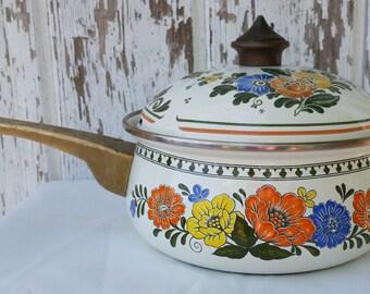 Vintage Newcor Brass Handled Enamel Saucepan