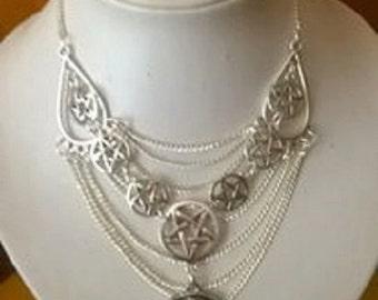 collana donna con dea e pentacoli di protezione,bigiotteria italia,wicca bijoux