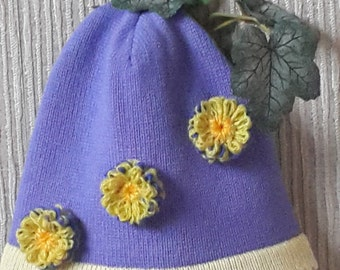 Hand made knitted hat from 100% Lambswool yarn