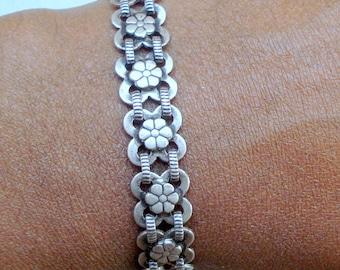 traditional design silver cuff bracelet bangle handmade jewellery rajasthan