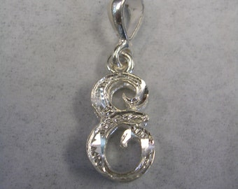 Letter E initial pendant charm in sterling silver