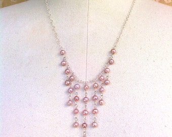 necklace with mauve pearls