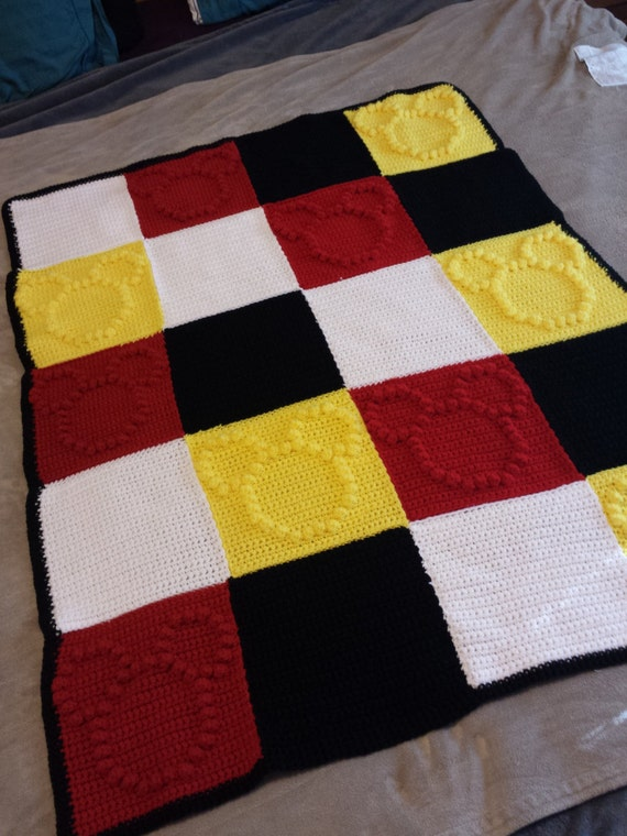 Mickey Mouse Crochet Baby Blanket Pattern : Mickey Mouse Themed Crochet Bobble Blanket