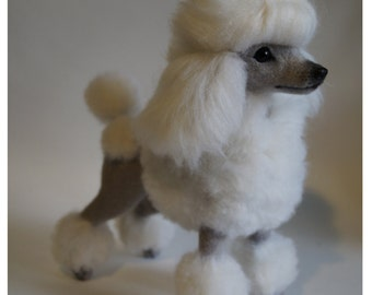 Felt dog/ Needle felted Animal /Poodle /Collectible toy/Custom Pet Portrait/Miniature/ Personalized Pet/ Wool Sculpture/ Memorial
