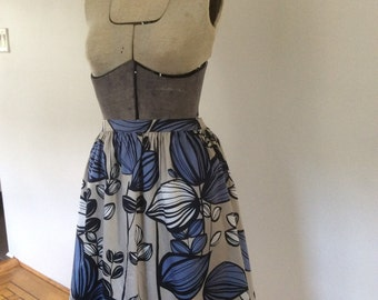 Graphic blue floral print skirt