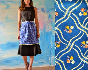 Half Apron // Blue and Yellow Floral Apron // Apron with a Pocket // Vintage Apron // Retro Kitchen // 1950's ~ 1960's ~ 1970's //