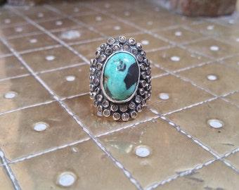Crystal clustering gemstone ring