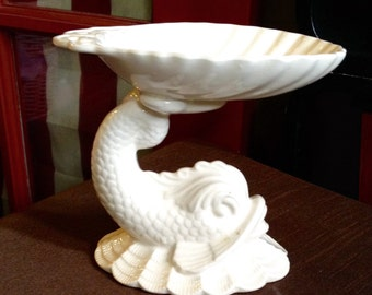 RARE FIND!!!  Koi fish with clam shell soap dish