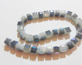 faceted Blue Crystal cubes grey 10 mm