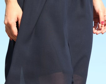 Blue chiffon vermuda shorts.size L/xL
