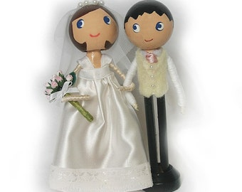 Clothespin Bride and Groom Dolls, Wedding Cake Topper, Wedding Favour