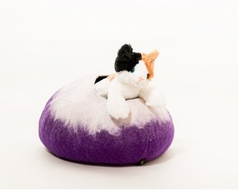 FREE SHIPPING, Cat Cave, Large Size, Purple and White cat bed, Cat igloo, Pet bed, Handmade Wool All Natural Bed, Nepal