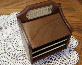 Recipe Holder/ Vintage Recipe Holder/ Kitchen Decor/ Vintage Kitchen Supplies/ Kitchen Organization/ Retro Kitchen/ Vintage Recipe Holder