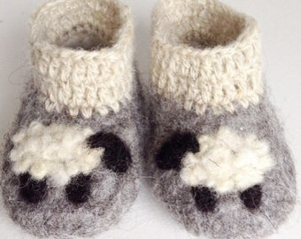 Handmade Felted baby Booties size1