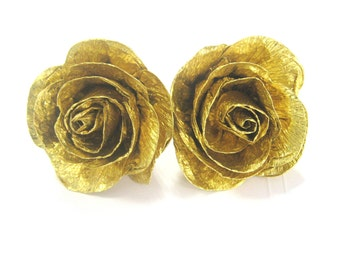 10 Gold crepe paper flowers Graduation table Party Decor Anniversary bridal baby shower Gold Wedding dessert table decor gold Cake Topper