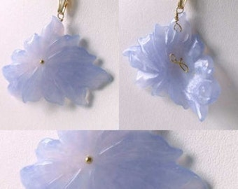 Hand CARVED Natural Blue CHALCEDONY Flower And 14Kgf PENDANT 509851B