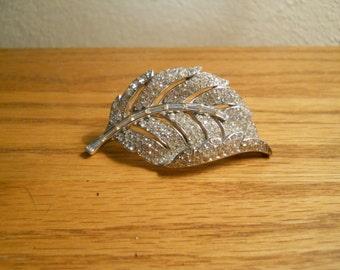 Lovely Trafari Rhinestone Brooch Jewelry