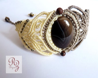 micro-macrame sand and ivory with agate bracelet