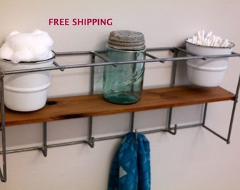 Small shelf with hooks//Shelving//Shelves//Wire//Wood//Industrial//Geometric//Modern//Wire shelving//Geometric shelving//Industrial shelving