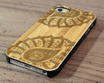 Hand Drawn Leafy Paisley Mandala Doodle Pattern Laser Engraved on Genuine Wood Cell phone Case for iPhone 5s, 6 and 6 plus IP-018