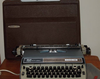 Vintage Smith Corona Electra 220 Portable Electric Typewriter w/Case, Dust Cover and Branded Cleaning Brush