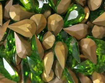 Vintage Rhinestones Olivine Pear Glass Teardrop Jewel 13x8mm (8)