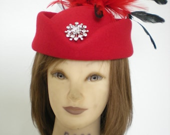 9202013 Feather & Floral Hat