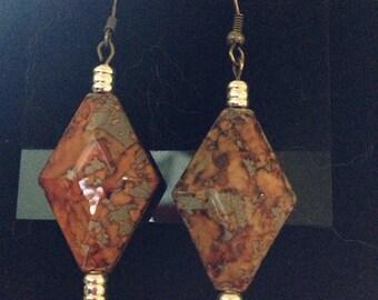 Dangle orangy marbled earings