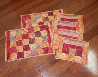 Hand crafted place mats and 4 table mats, buffet set, sheared edges, cute!
