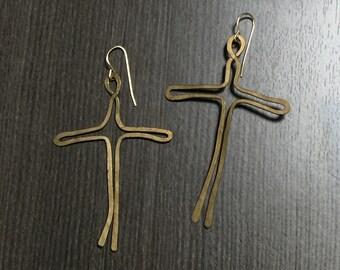 Hammered brass wire cross earrings