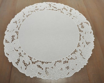 Richelieu hand embroidered table runner