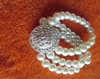 pretty pearl braclett