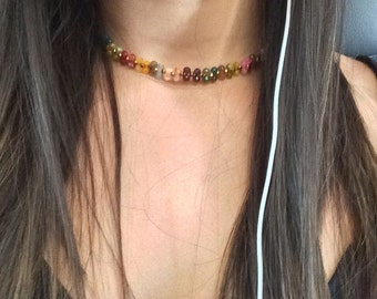 Chocker Quartz Gemstones Necklace