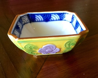 Embossed and hand painted Porcelain Finger Bowl