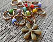 Small Snag Free Knitting Stitch Markers Silver Or Bronze Tone Flower Charm Mixed Bouquet Seed Beads Fits Needles Up To 4.5mm