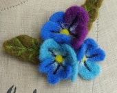 Needle Felted Floral Flower Brooch Corsage Pin Blue/Purple