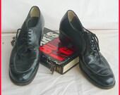 Vintage 40s NO NONSENSE Oxford Shoes / size 7 .5 Narrow Eu 38  UK 5 / Black Leather Lace up Granny Broghans /  1950s Flats